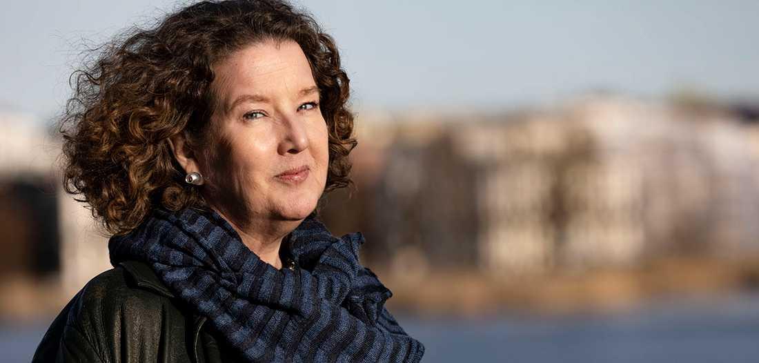 """Anna-Karin Palm skriver om sin alzheimersjuka mamma i """"Jag skriver över ditt ansikte""""."""