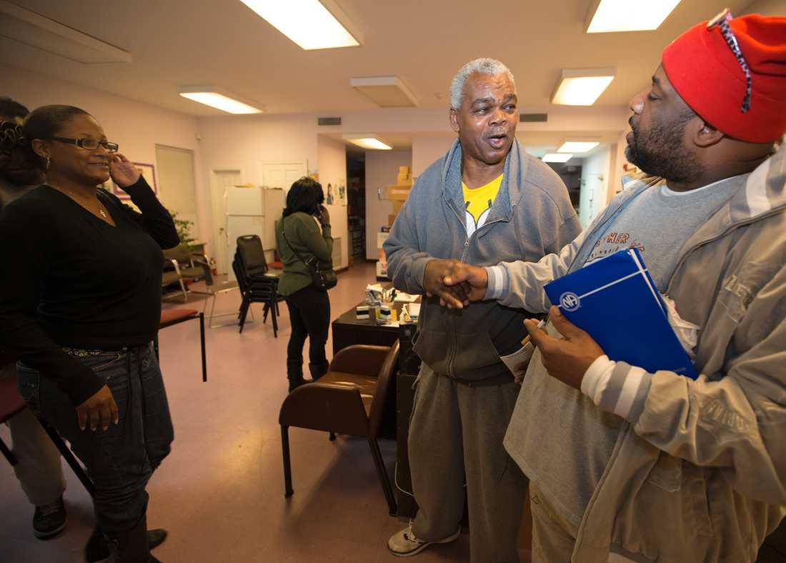 Wallace på ett möte för Anonyma narkomaner i februari 2017.