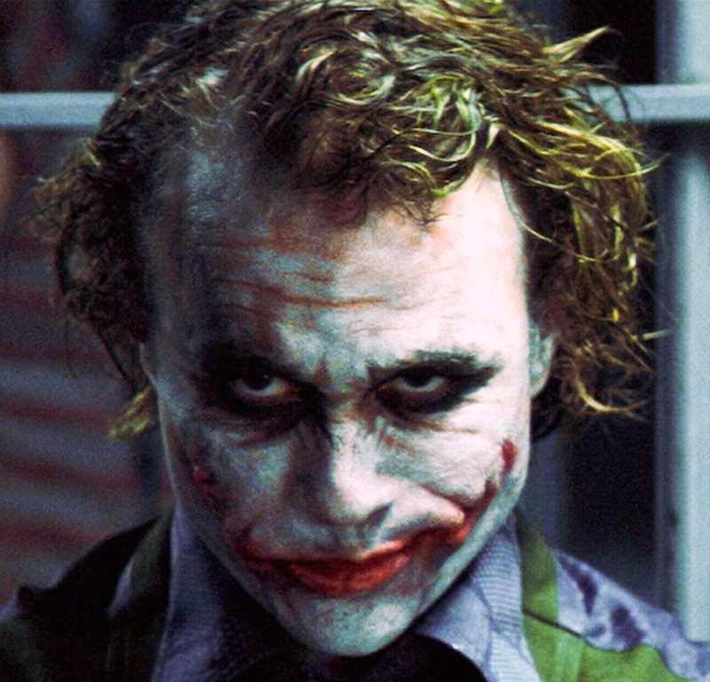 ...med Jokern, här i Heath Ledgers gestalt.