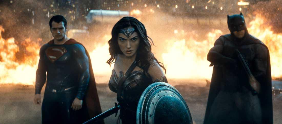Superman (Henry Cavill), Wonderman (Gal Gadot) och Batman (Ben Affleck)