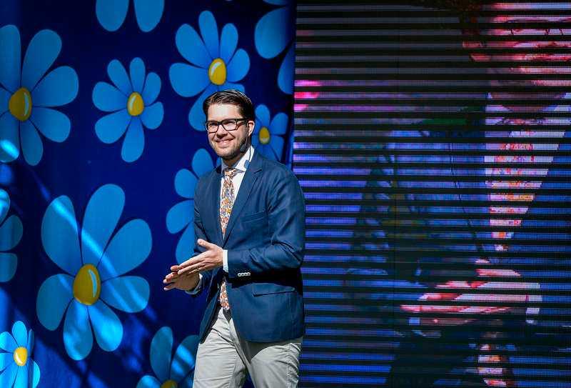 Jimmie Åkesson (SD) går hem hos de manliga väljarna.