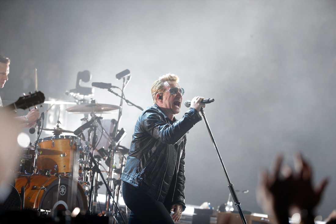 U2 under en konsert, bilden är tagen vid ett tidigare tillfälle.