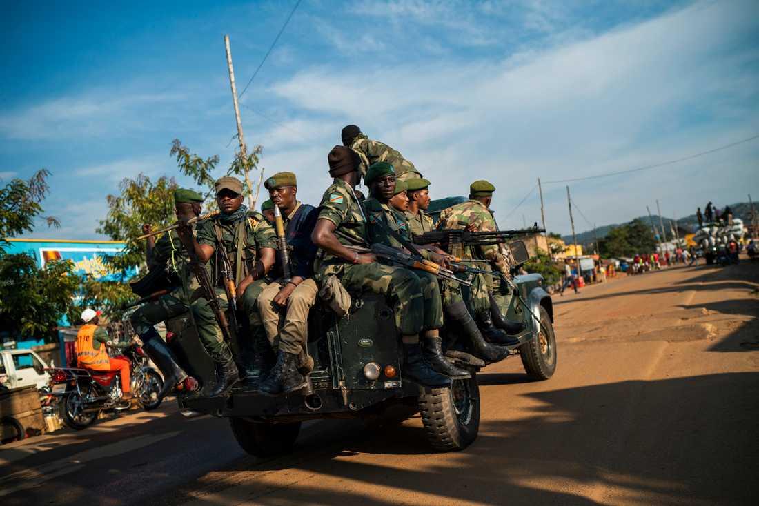 Kongolesiska regeringssoldater patrullerar i Beni i östra Kongo-Kinshasa. Arkivbild.