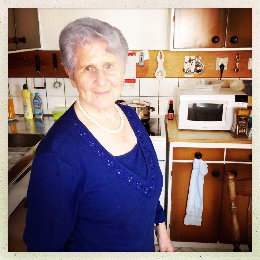 Då och nu Helena Trus farmor Cylas yngsta syster Fanny mördades bara fem år gammal av nazisterna. Cyla klarade sig dock och träffade sin blivande man Lejb i polska Bialystoks ruiner och tog sig till Sverige.