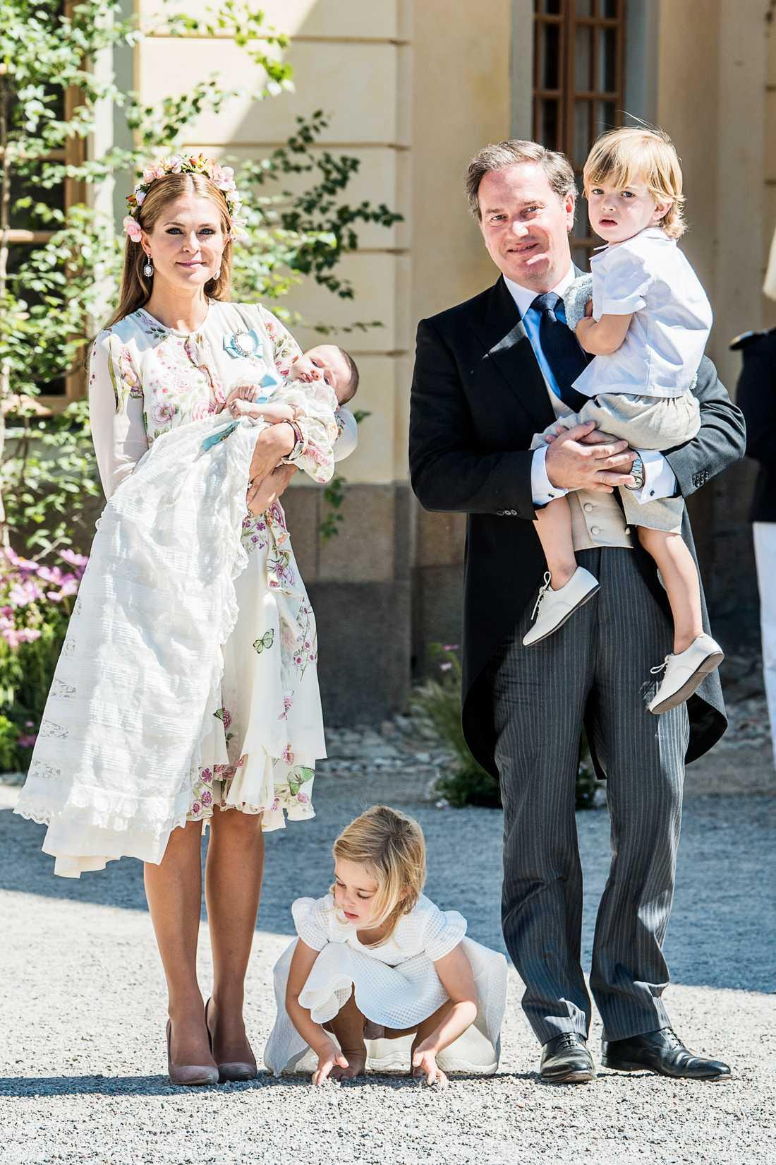 Prinsessan Madeleine tillsammans med sin familj.