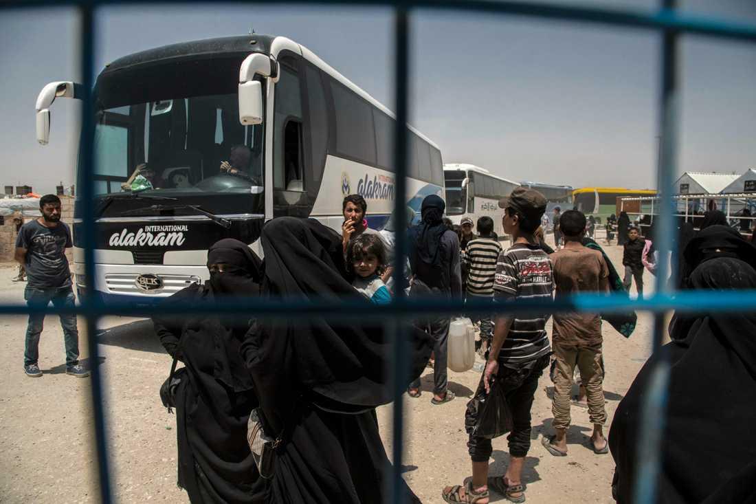 Turkiet har inlett repatrieringen av tillfångatagna IS-stridande. På bilden fånglägret al-Hol i norra Syrien. Arkivbild.