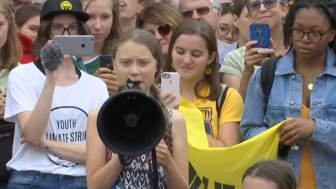 Greta Thunberg utanför Vita huset.