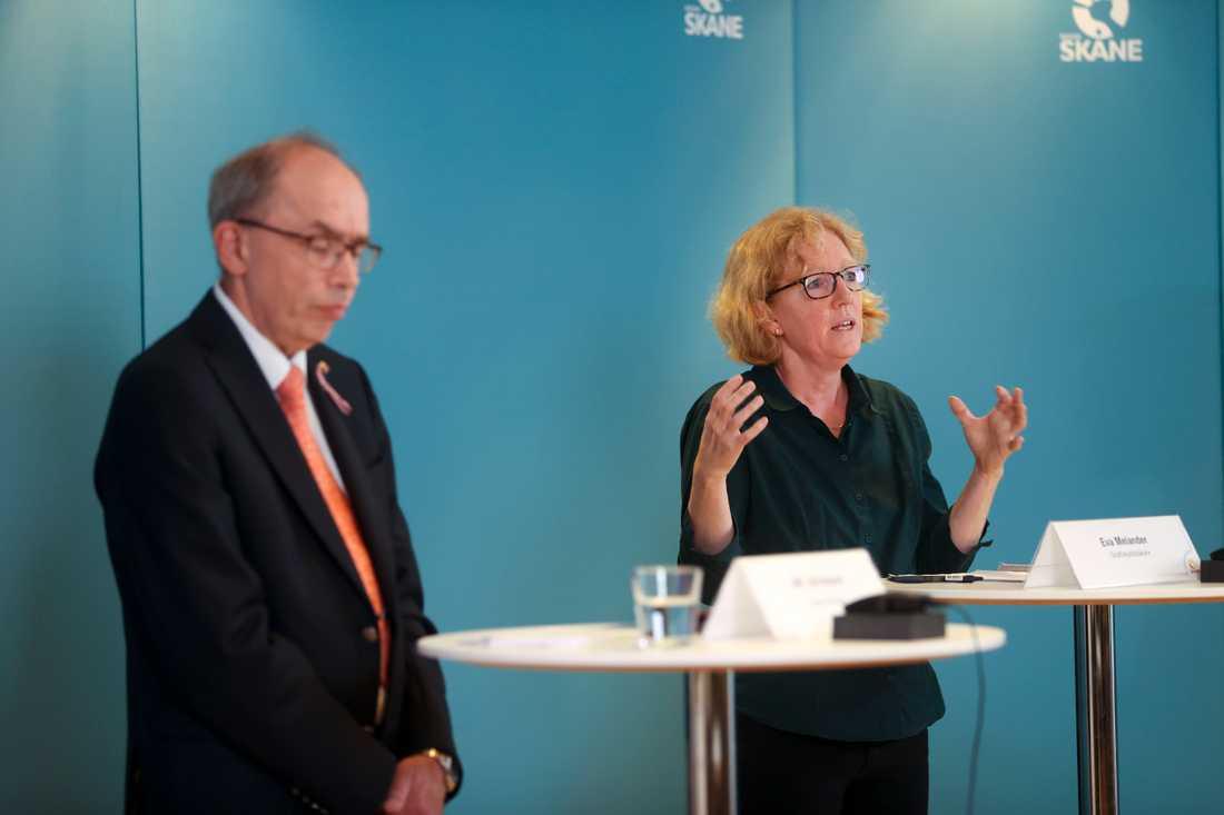 Region Skånes regiondirektör Alf Jönsson och smittskyddsläkaren Eva Melander.
