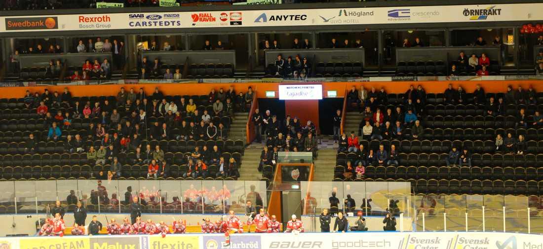 3 763 personer hade letat sig till Fjällräven Center.