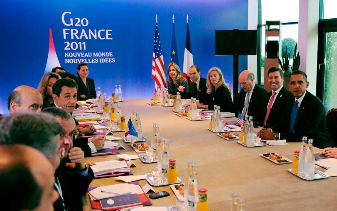 Till bords! Världsledarna samlade inför dagens möte.