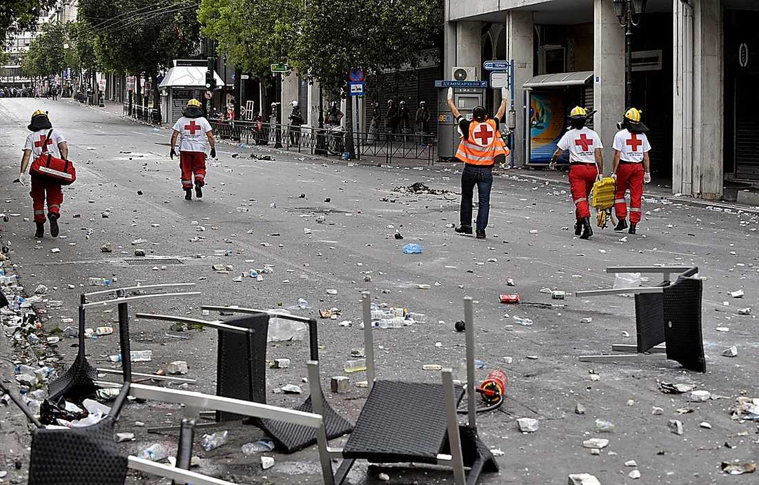 SLAGFÄLTET  Hotell och butiker slogs sönder under kravallerna.