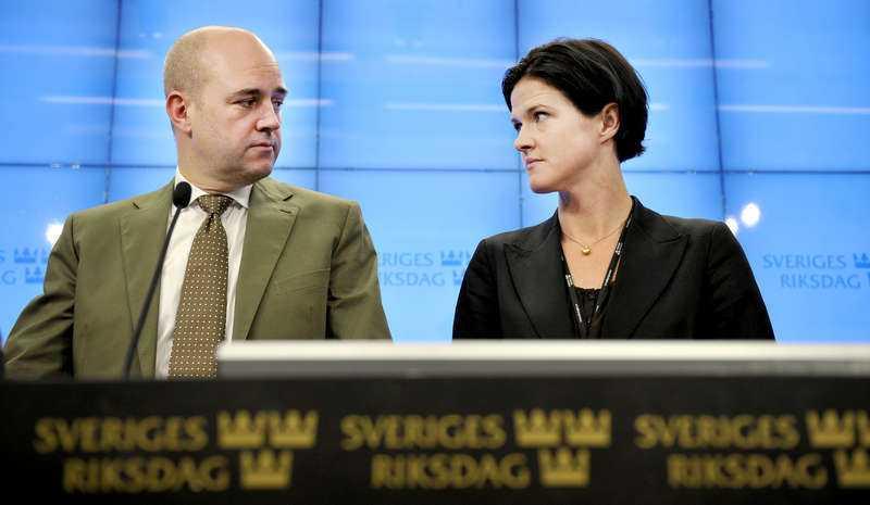 Kinberg Batra presenterades som Moderaternas gruppledare i oktober 2010. Samma månad tillträdde hon även som ordförande för finansutskottet, vilket gav henne samma två tjänster som Reinfeldt hade innan han blev partiledare.