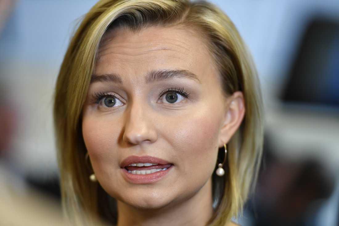 Kristdemokraternas ledare Ebba Busch Thor tycker att det är fullkomligt obegripligt att SD-ledningen ställer sig bakom toppkandidaten Peter Lundgren. Arkivbild.