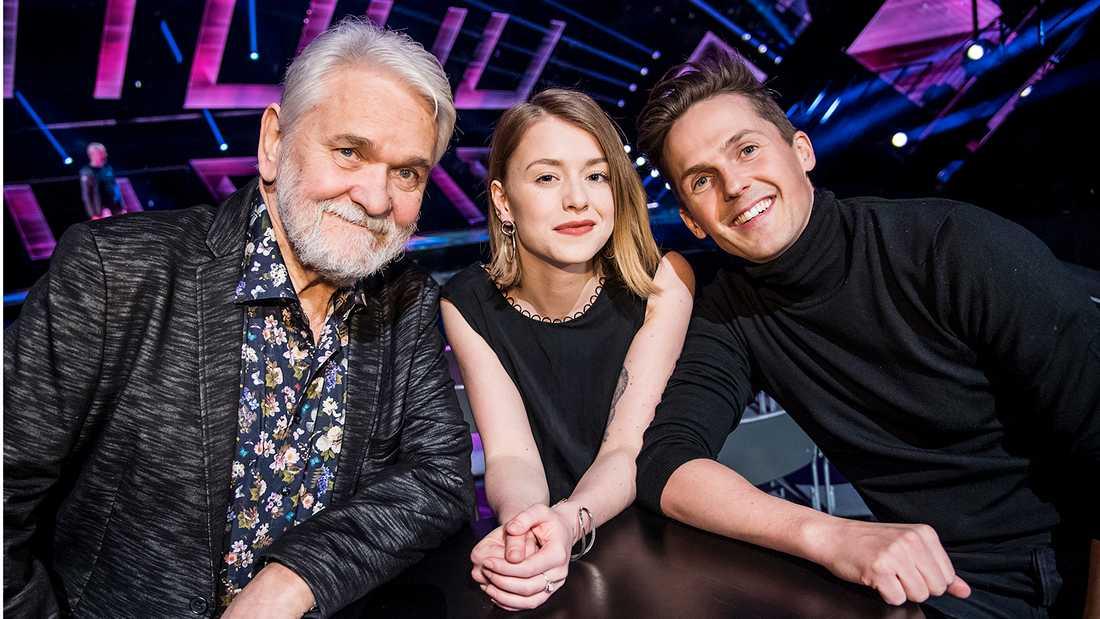 """Melodifestivalen 2017 leds hela vägen av Hasse """"Kvinnaböske"""" Andersson, Clara Henry och David Lindgren."""