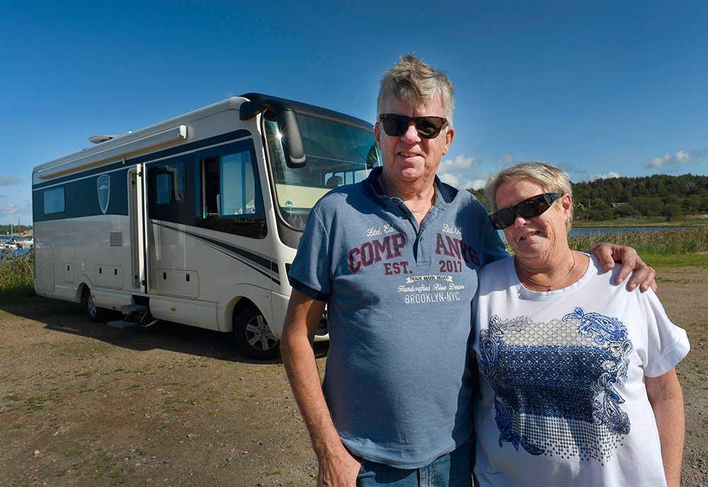 Inga-Lena och Janne Johnsson lever halva året i sin husbil.