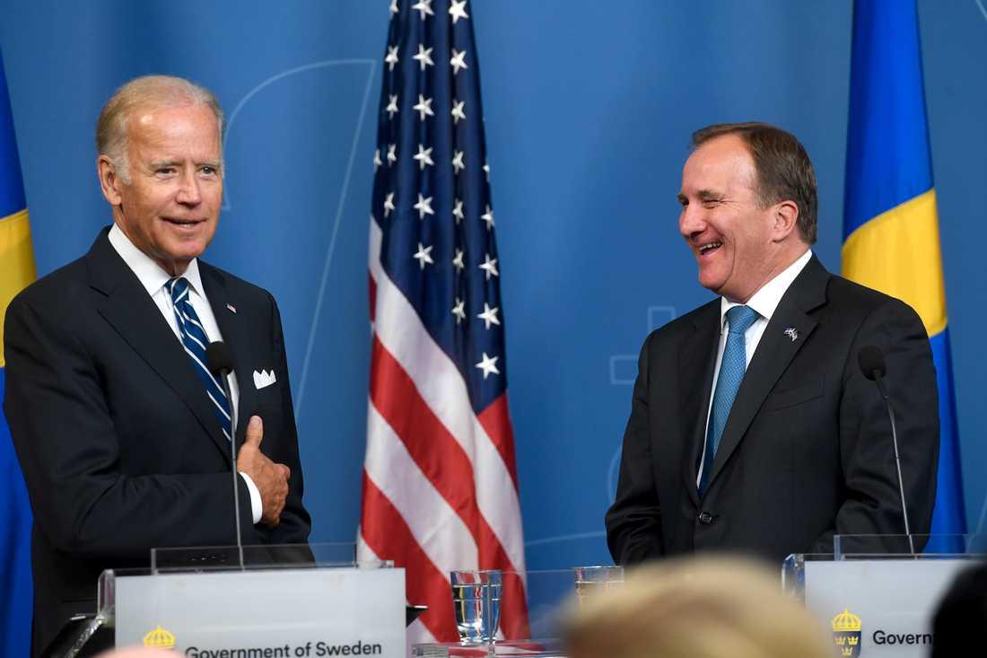 Joe Biden med Stefan Löfven vid sitt besök i Stockholm i går.