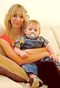 """Enligt läkarna kommer inte Joshua Cullit, 2, att uppleva sin femårsdag. """"Sjukdomen kan i alla fall inte ta ifrån oss de minnen vi skapar"""", säger mamma Jodie, 21."""