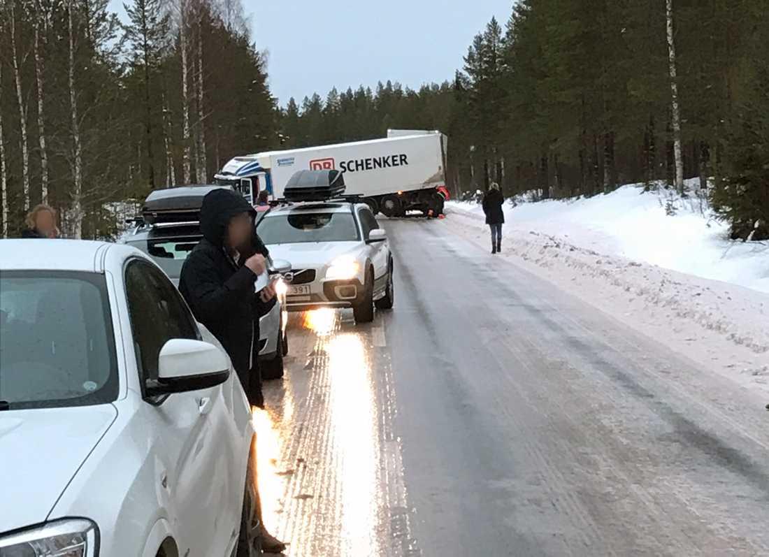 Olycka på E45 norr om Mora.
