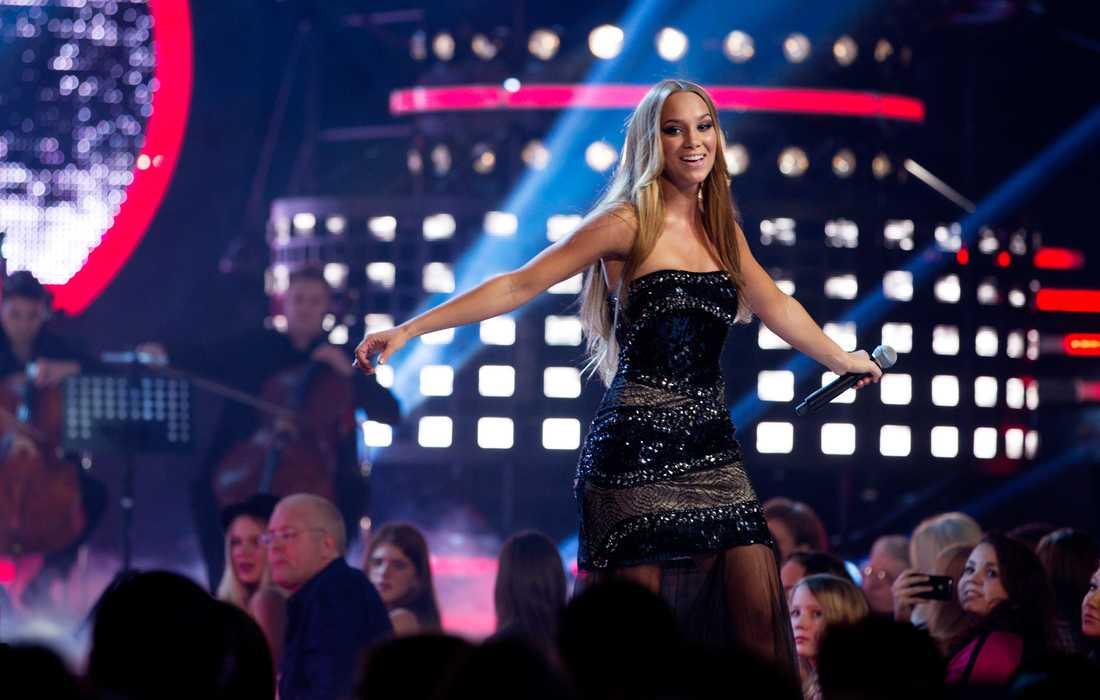 """Tidigare """"Idol""""-vinnaren Agnes uppträdde i Globen."""