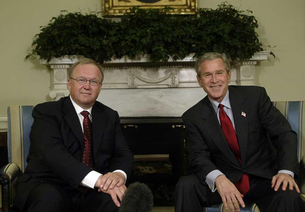 Göran Persson mötte George W Bush under ett besök i Vita Huset 2004, ett år efter invasionen.