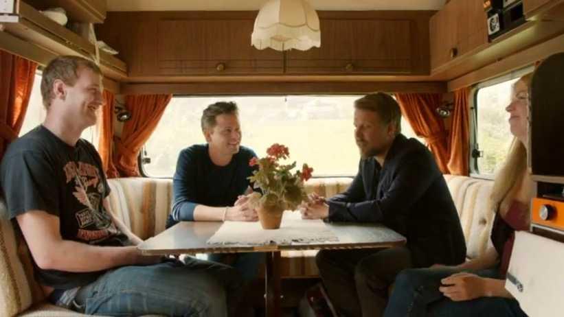 """I """"Ska vi göra slut?"""" försöker de reparera sin relation med hjälp av Filip och Fredrik."""