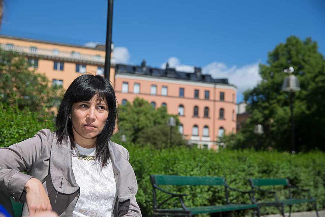 Rossana Dinamarca, feministisk talesperson för Vänsterpartiet.