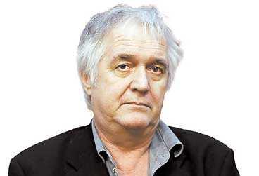 Henning Mankell har skrivit sin viktigaste deckare hittills.