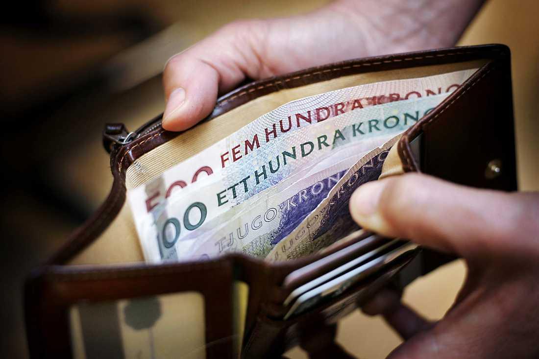 ... 593 984 plånböcker att lägga sin supervinst i...
