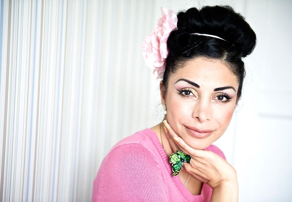 """Zinat Pirzadeh, 46 år, komiker, Stockholm """"Ge varandra möjlighet att sova, så att äktenskapet håller."""""""