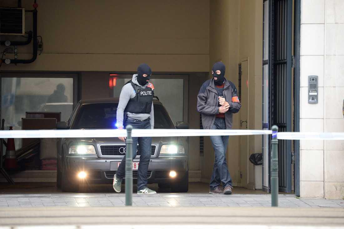 Polis i Bryssel två dagar efter terrordåden.