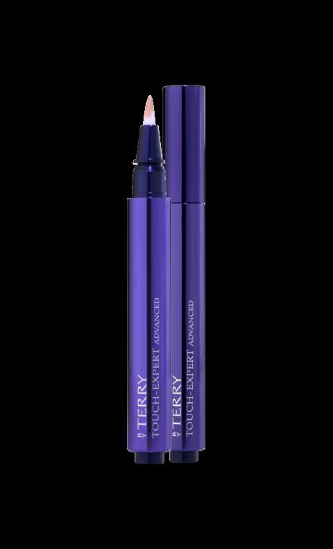"""""""Touch expert advanced"""", By Terry Kombinationen av medeltäckande, ljusreflekterande concealer och mjuk pensel gör att makeupen lägger sig under ögat med superfräscht resultat nästan av sig själv. Piggelin-effekten och den behagliga känslan varar hela dagen. Lycka!"""