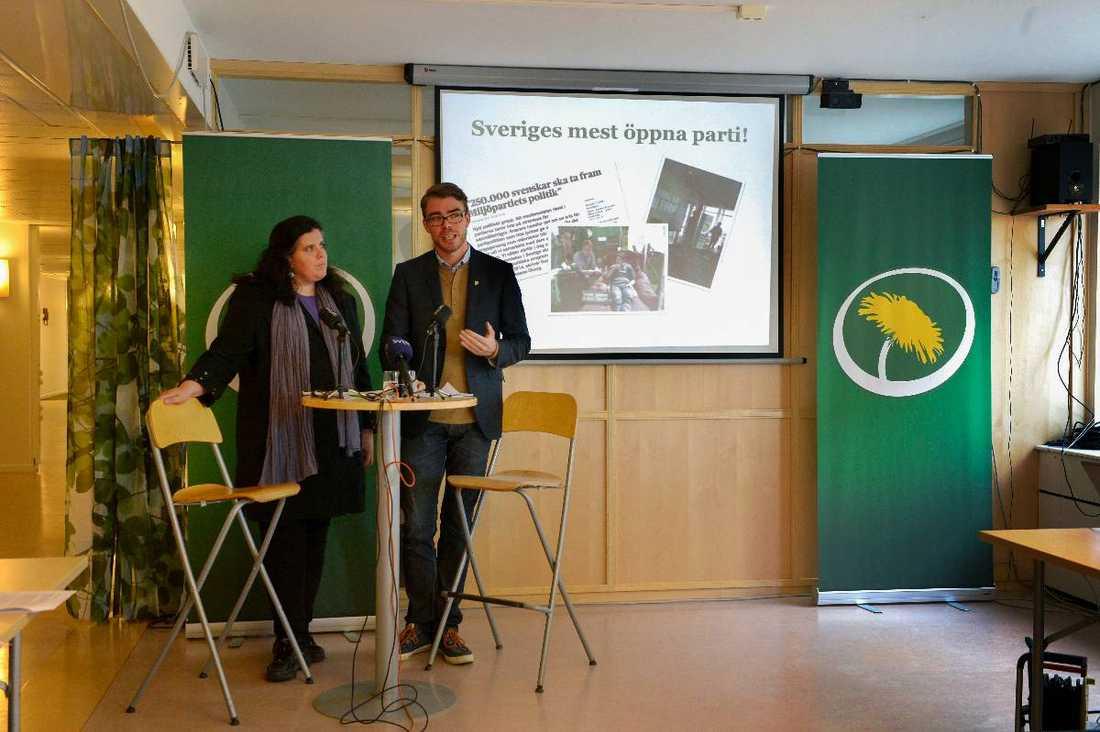 Yvonne Ruwaida och Anders Wallner (MP).