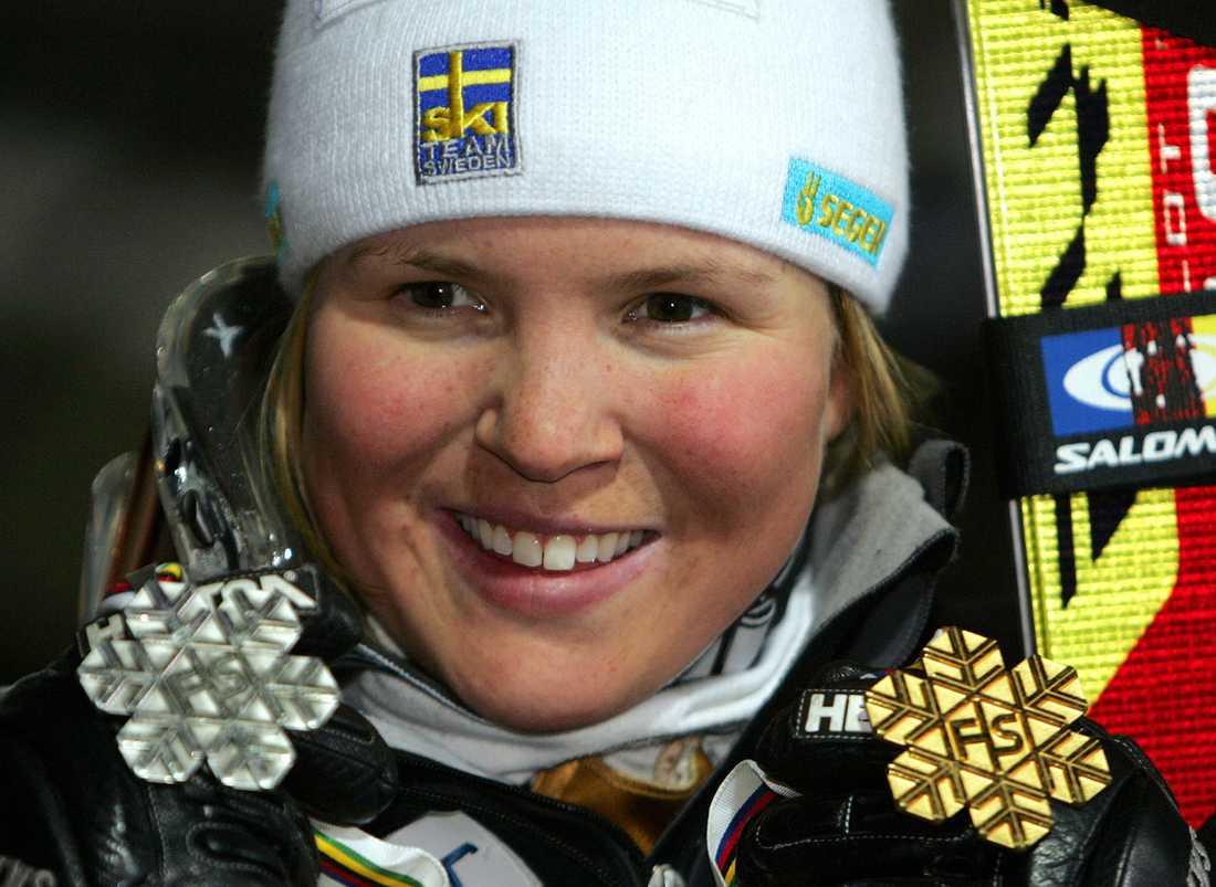 2005 ...samt silver i kombination och guld i storslalom.