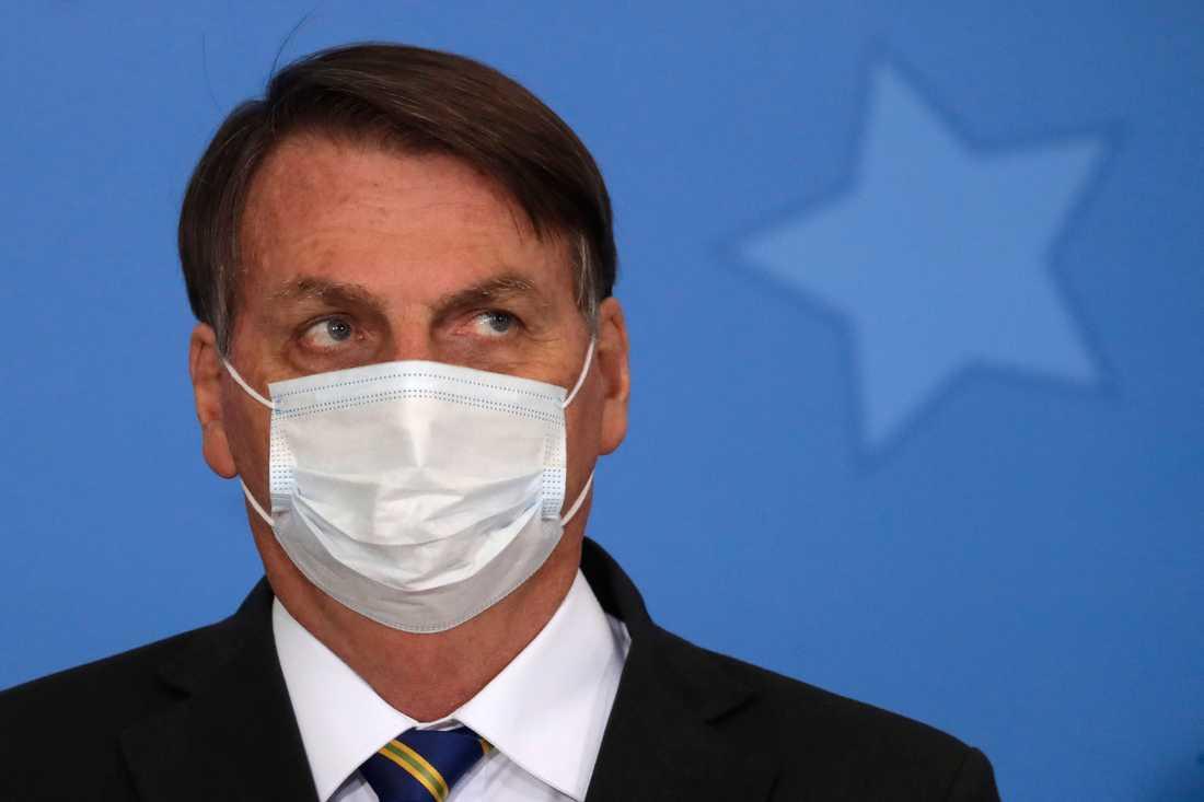 Brasiliens president Jair Bolsonaro har gång på gång underminerat faran med coronaviruset.