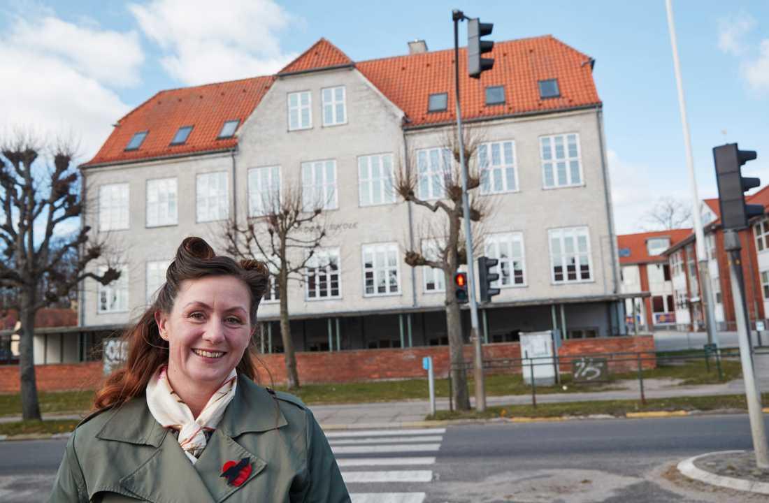 """""""Jag tror att det är jättebra för barnen att få komma igång igen"""", säger Luise Gibler, vars två barn får vänta till nästa vecka innan deras skola i Allerød på norra Själland öppnar."""