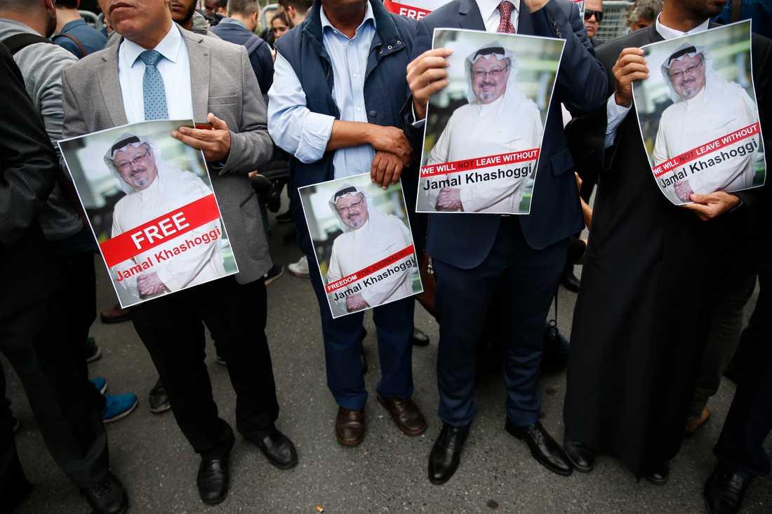 Demonstranter i Istanbul kräver att dissidenten Jamal Khashoggi friges.