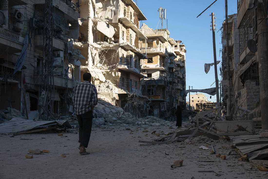 Delar av Aleppo i ruiner. AFP PHOTO / THAER MOHAMMED / TT