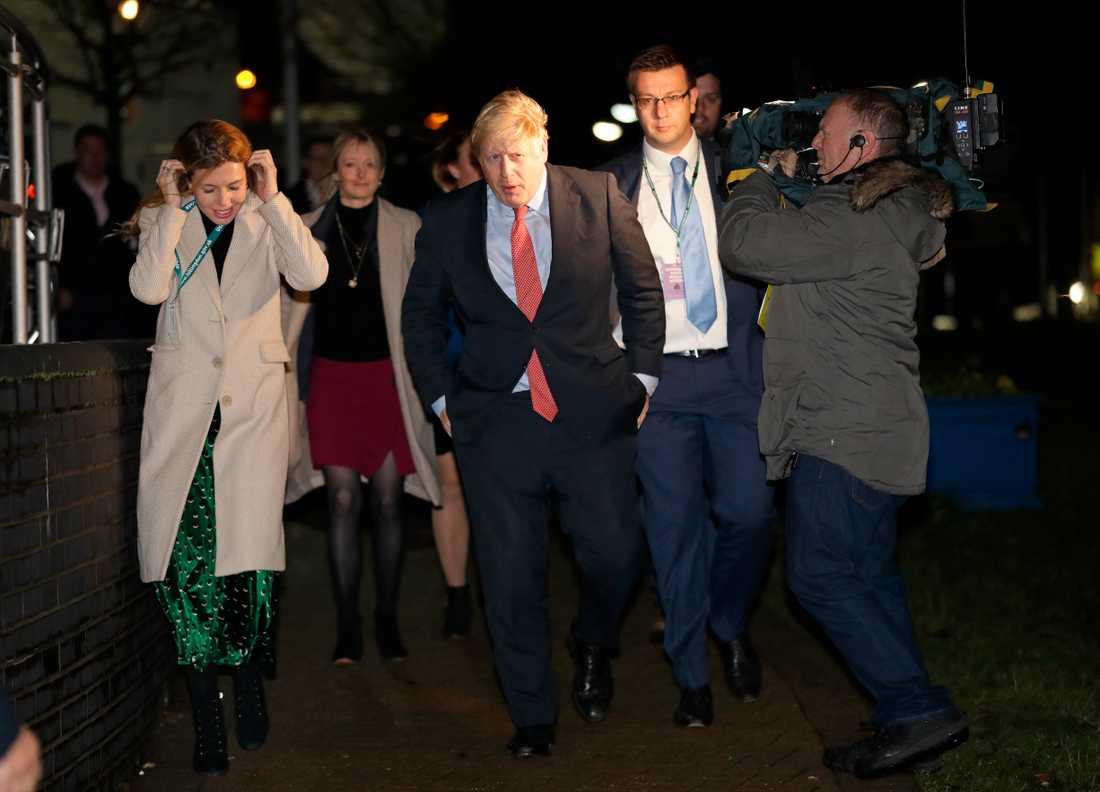 Parets förhållande blev officiellt i våras och de har köpt ett hus i södra London tillsammans, men faktum är att Boris Johnson fortfarande är gift.
