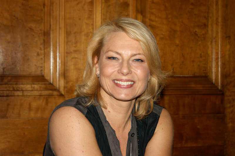 Vi är också med... Helena Bergström.