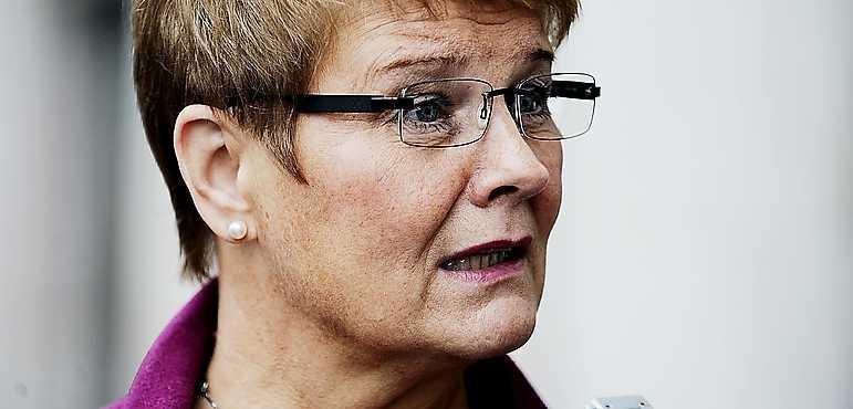 Vill reglera I en debattartikel i DN skriver Maud Olofsson (C) att hon vill ställa större krav på elbolagen, för att skydda konsumenterna.