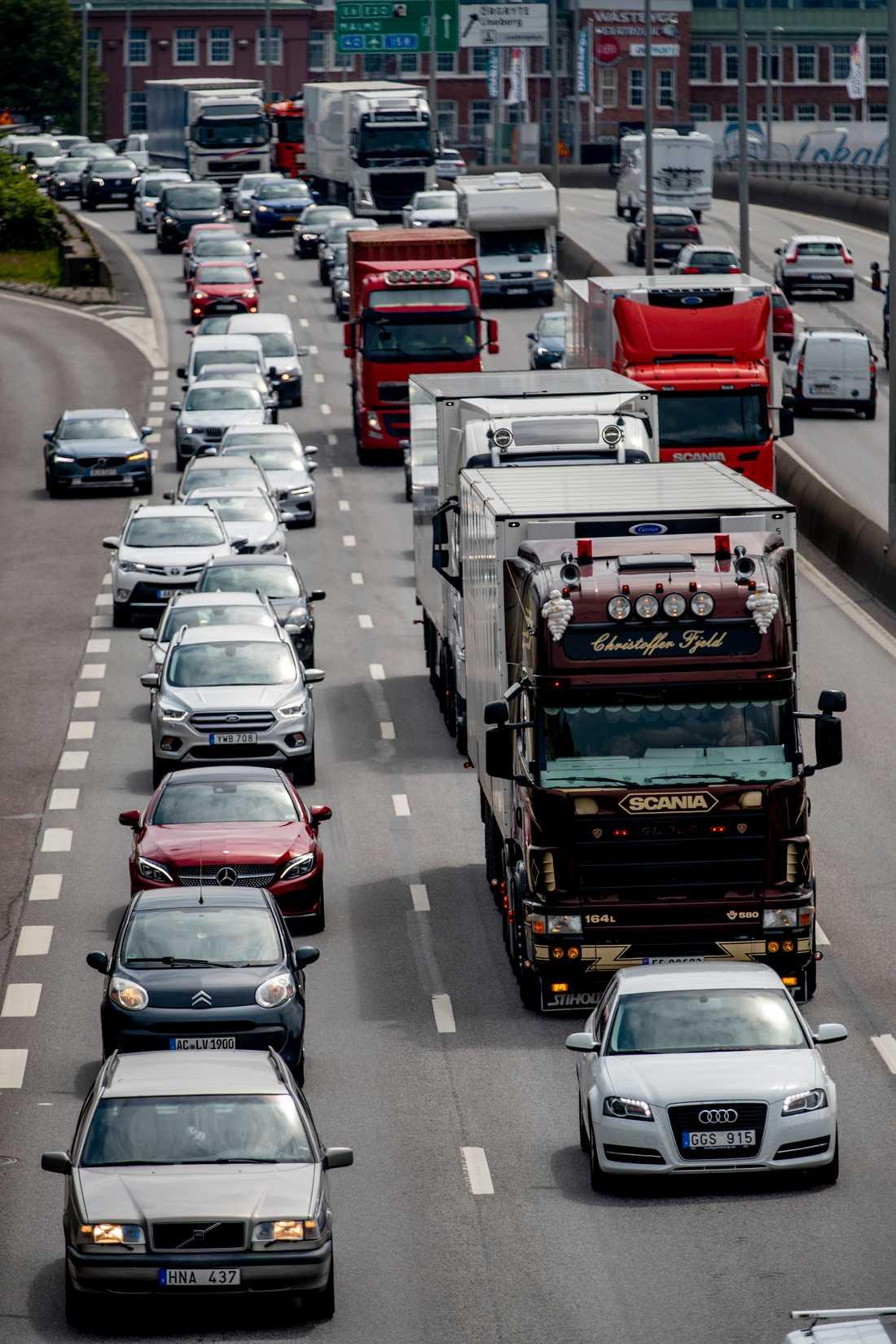 Midsommartrafiken utanför Göteborg under gårdagen. Tog du dig fram i tid?
