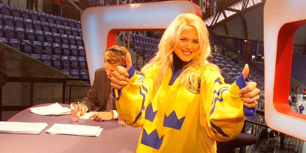 Gullö minns hysterin när Victoria Silvstedt flögs in till TV3:s hockeystudio.