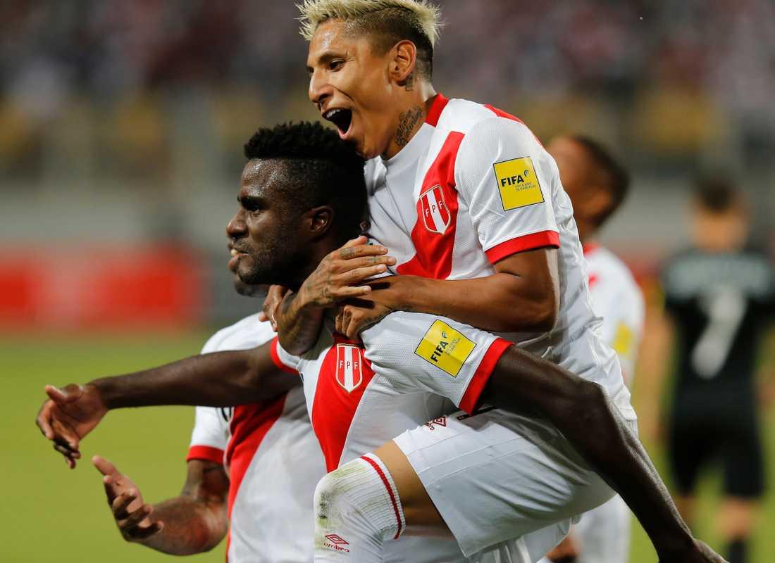 Firande efter Perus andra mål.