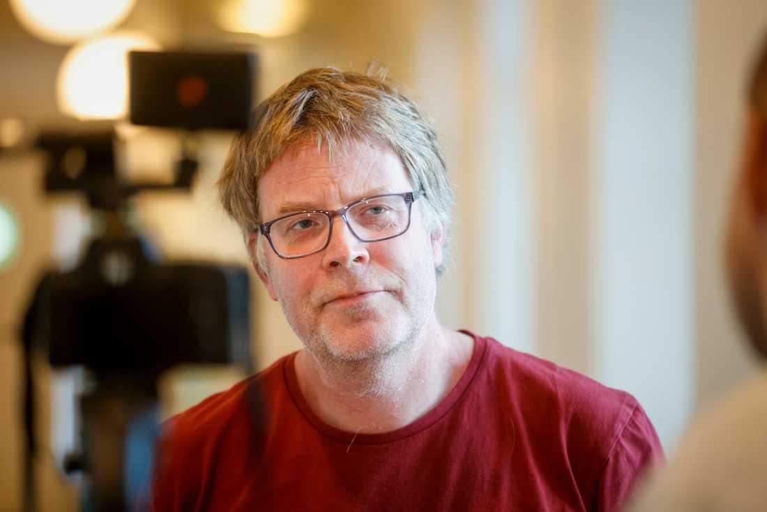 """""""På sjukhussidan så har vi haft en nedåtgående trend under de senaste dagarna, framför allt på intensiven"""", säger Johan Nöjd, smittskyddsläkare Uppsala."""