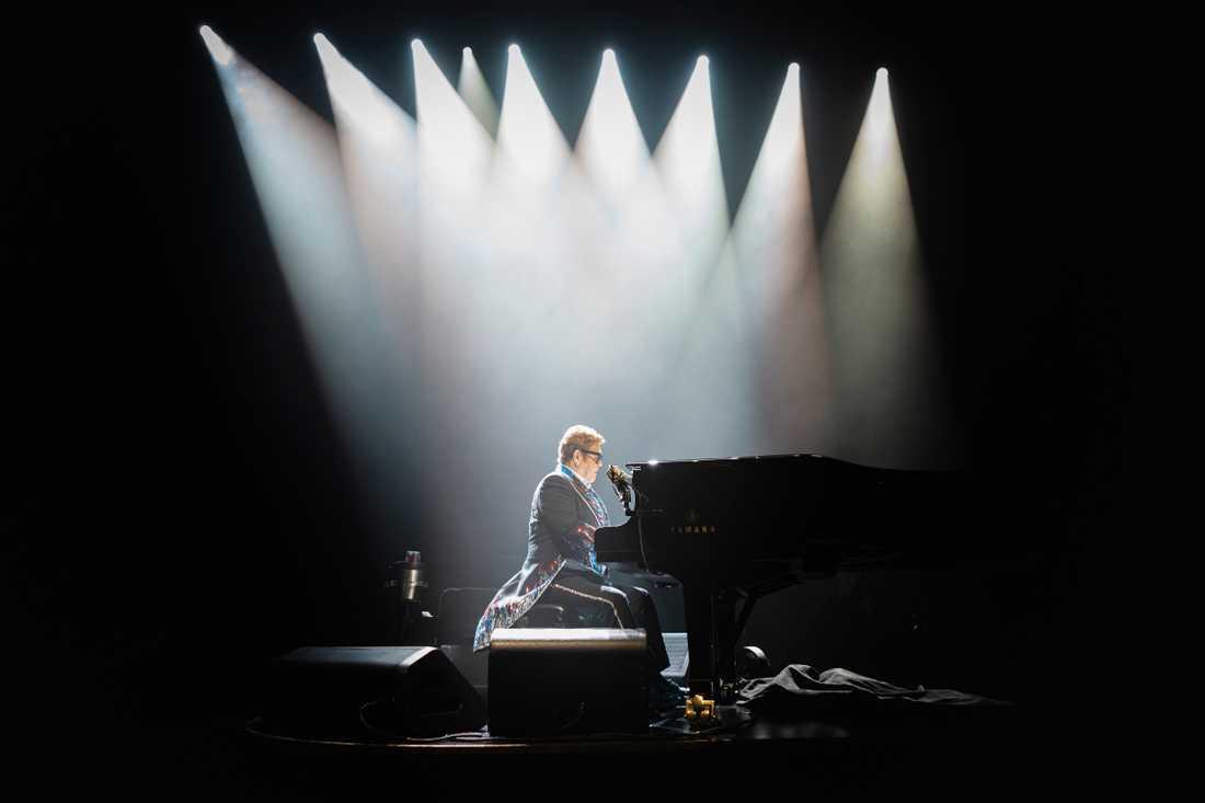 Elton John visar hur man säger adjö till sin publik med stil på Scandinavium i Göteborg.