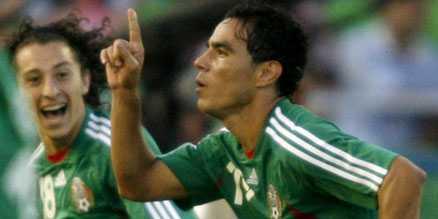 hjälten Omar Bravo gjorde 2–1 för Mexico – och Uruguay orkade inte resa sig.