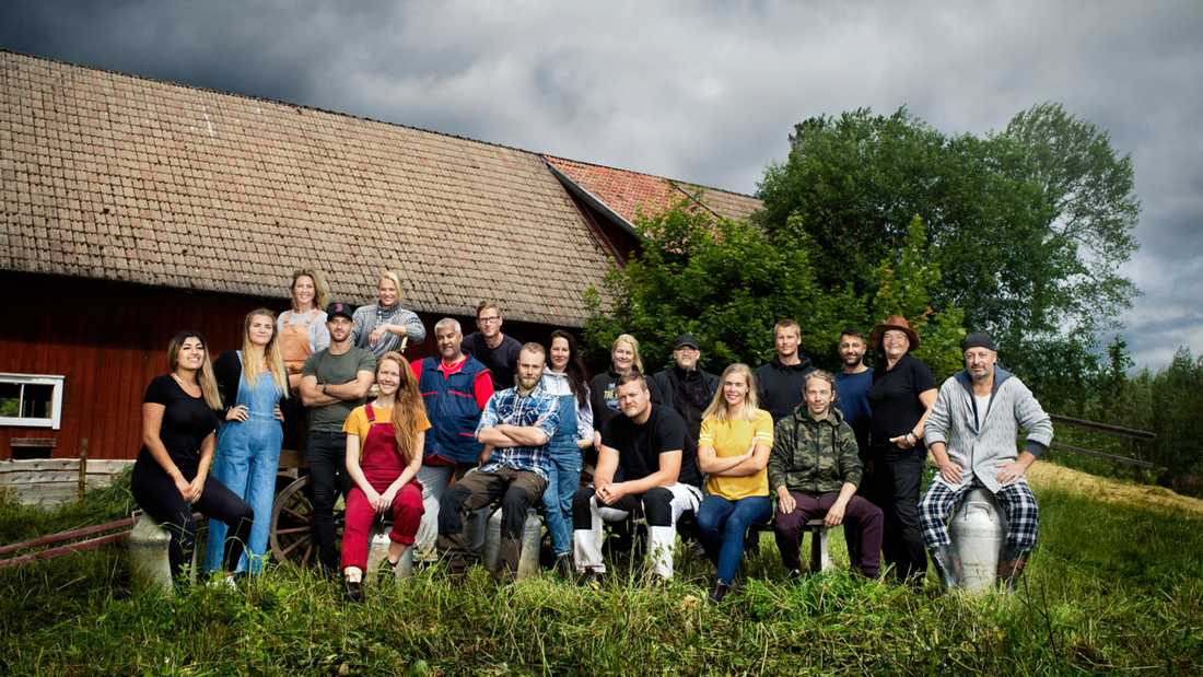 Gruppbild på deltagarna i Farmen 2020.