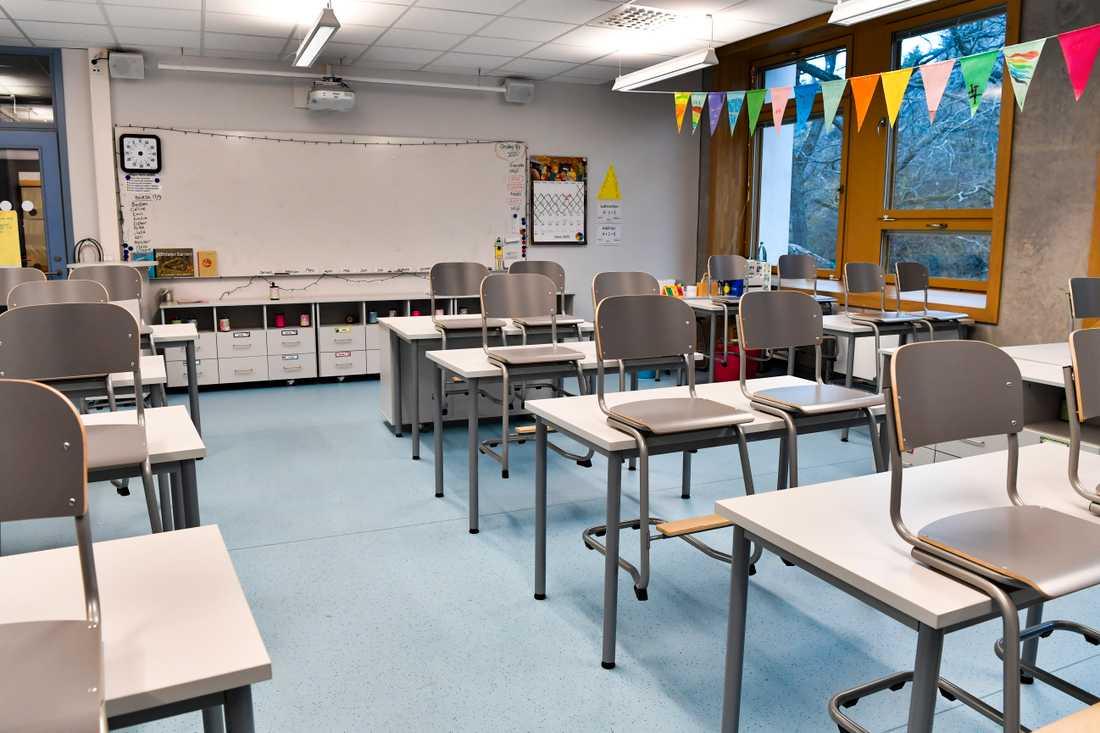 I Mönsterås har en skola fått akutstänga efter ett större utbrott.