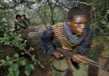 Ett okänt krig Oromofolkets Befrielsefront (OLF) hittar man någonstans på gränsen mellan Kenya och Etiopien. Under 30 års tid har de stridit för självständighet och ett eget land, ändå känner få till deras kamp.