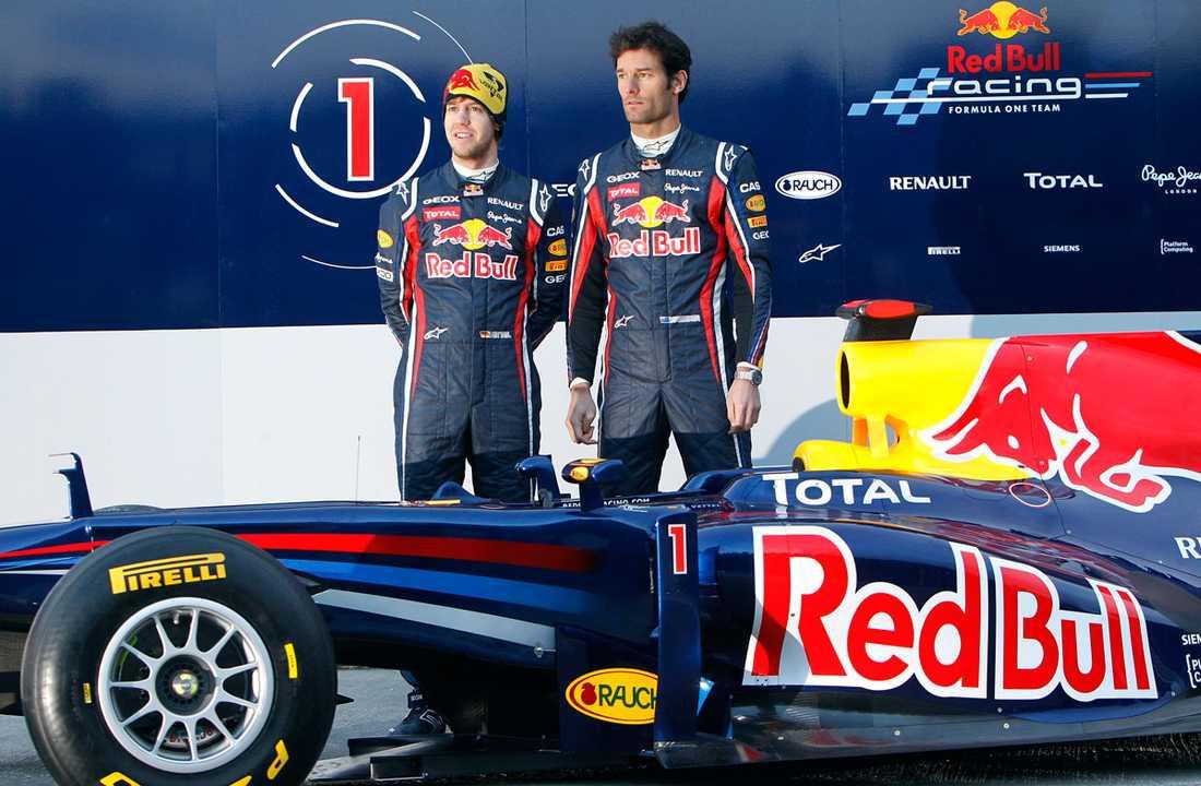 Sebastian Vettel och Mark Webber presenterar Red Bulls nya bil.